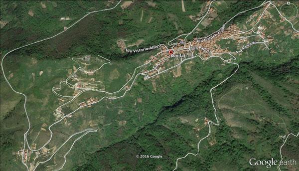 Area della donna vista dall'alto (foto Google Earth)
