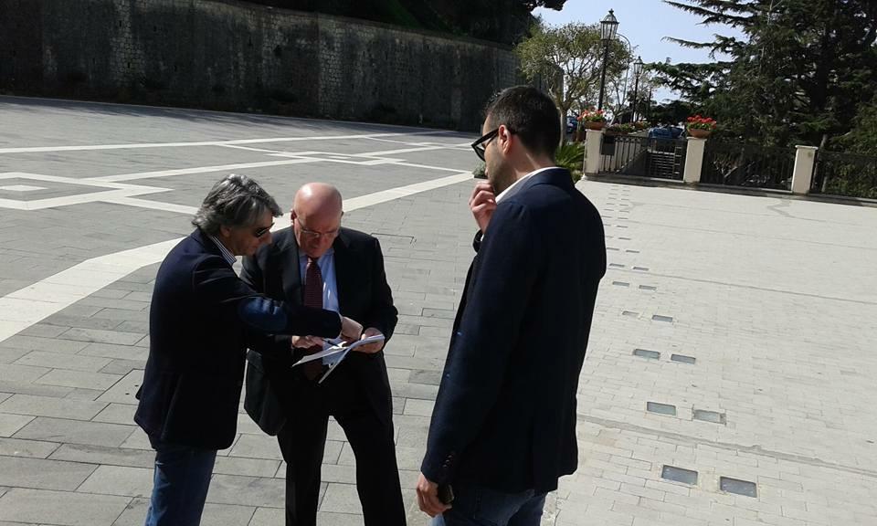 Carmine Quercia osserva Aieta e Oliverio