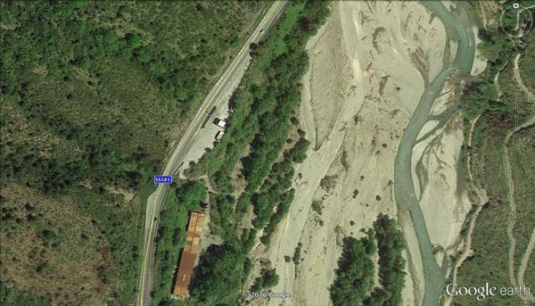 Il luogo dell'incidente nei pressi della stazione di rifornimento gas. (foto: Google Earth)