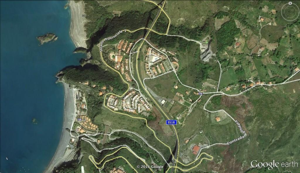 L'area interessata dallo sversamento illecito vista dall'alto (foto: Google Earth)
