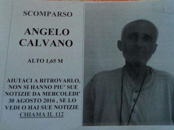 Il volantino stampato per aiutare le ricerche di Angelo Calvano