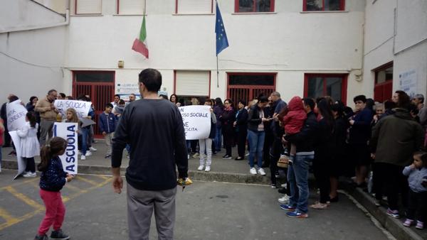 aieta scuola protesta