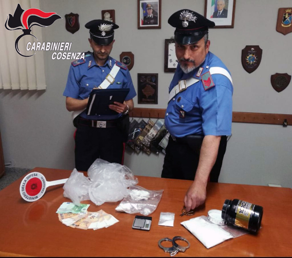 fidanzati spaccio cocaina arresto santa maria del cedro belvedere marittimo carabinieri