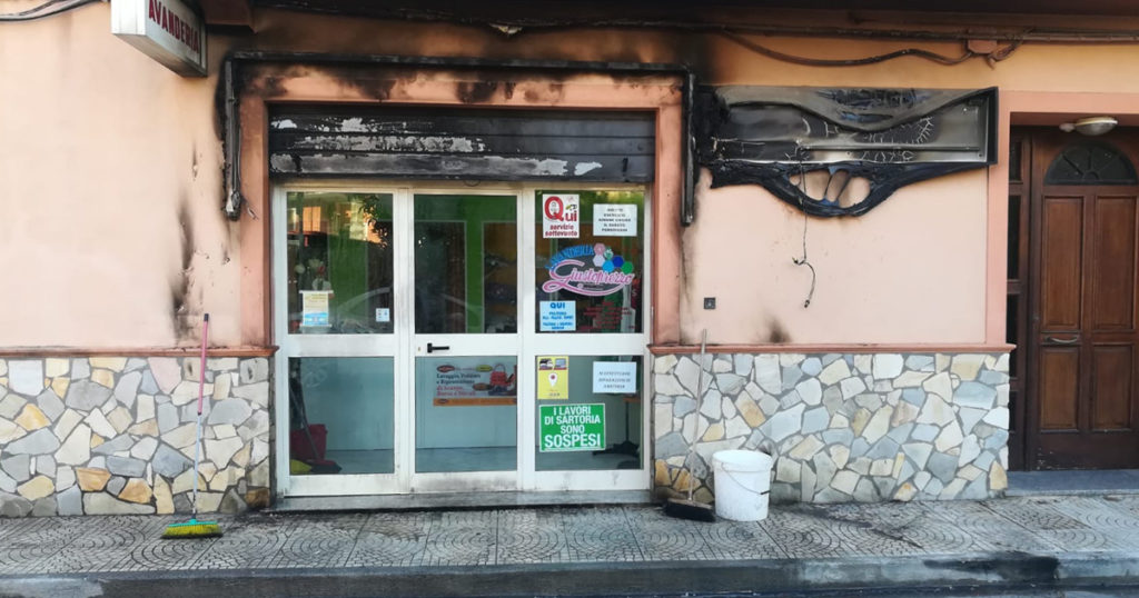 scalea incendio lavandria via gramsci fb