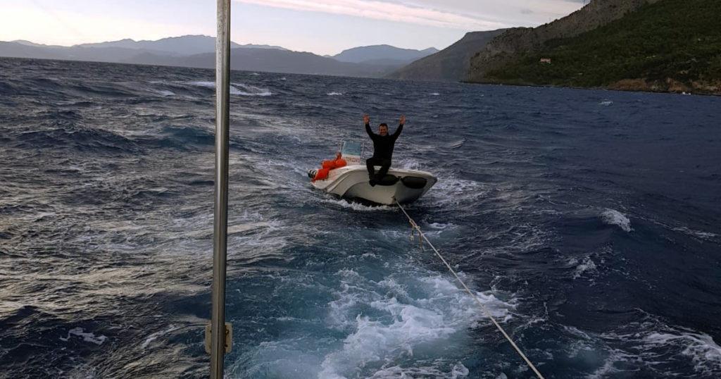 maratea diportista soccorso guardia costiera in