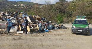 verbicaro isola ecologica rifiuti sequestro denuncia
