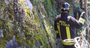 vigili del fuoco intervento a buonvicino cade burrone muore uomo