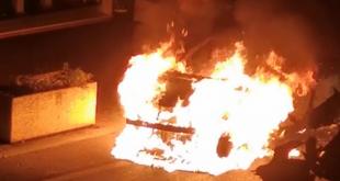 praia automobile incendiata via longo