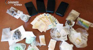 maratea droga arresto giovani camper pasticche lsd anfetamina