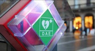 defibrillatore luogo pubblico